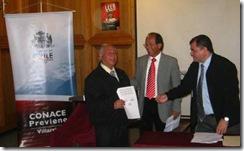 Establecimientos Educacionales de Villarrica, firman compromiso de colaboración con Conace
