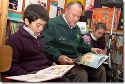 En villa Turingia fomentan la lectura a través del uso de la biblioteca