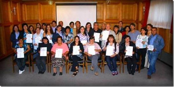 Municipalidad entregó 22 nuevos subsidios para familias de Villa Estación