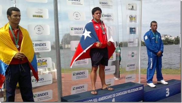 Canoista de la Araucanía logra medalla de oro en Sudamericano de Rio de Janeiro