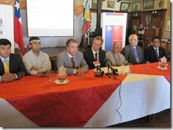 Ministro Kast junto a Intendente y director de CONADI se reúnen con representantes de la Mesa de Diálogo