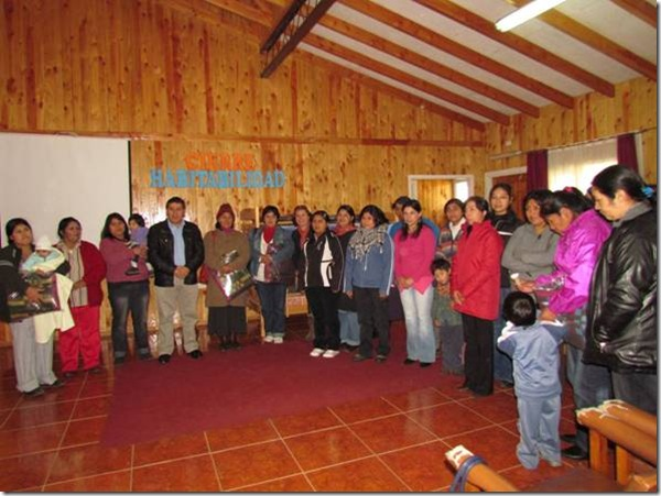 Alrededor de 30 familias de Curarrehue reciben equipamiento de camas y reparaciones de viviendas