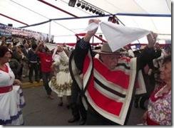 """Grupo de Proyección Folclórica UFRO participa en Encuentro Nacional """"Cuecas Mil"""""""