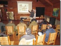 Experto en riesgos naturales dicta charla en Curarrehue