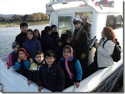 Niños de escuelas básicas municipales, surcaron las aguas del lago Villarrica