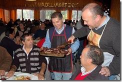 Municipalidad de Temuco adelantó celebración del Día del Padre con asado comunitario