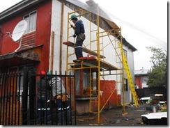 Significativo avance en primera etapa de mejoramiento térmico en villa Los Copihues del Volcán