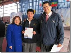 Alumnos de Pucón recibieron Beca de Apoyo a la Retención Escolar de Junaeb
