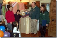 Alcalde Becker entregó ayudas sociales a familias más necesitadas de Temuco