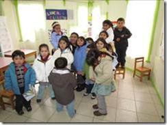 World Vision entrega parkas a niños de Curarrehue