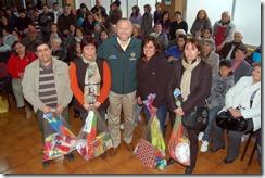 Alcalde Becker entregó premios para juegos populares de Fiestas Patrias a juntas de vecinos