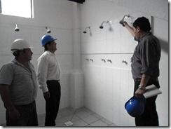 A sólo días de la entrega de las obras alcalde Astete monitoreó reparación del Gimnasio Municipal de Villarrica