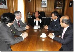 Alcalde Astete se reunió con policías en Villarrica