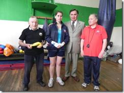 Gobernador ayuda a joven pugilista de la Araucanía