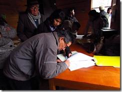 24 familias de Curarrehue recibieron subsidio que les permitirá ser propietarios de su casa propia (1)