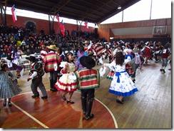Las cuecas y nuestro baile nacional brillaron en el gimnasio municipal de Curarrehue