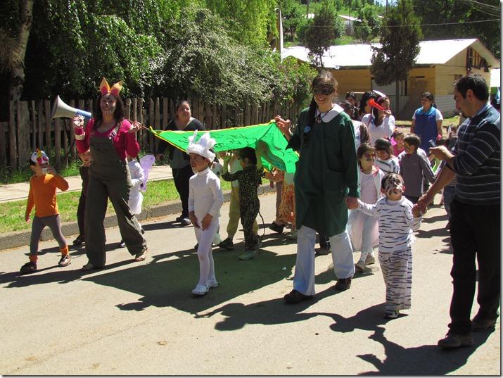 Con desfile es celebrado la semana del párvulo en Curarrehue (1)