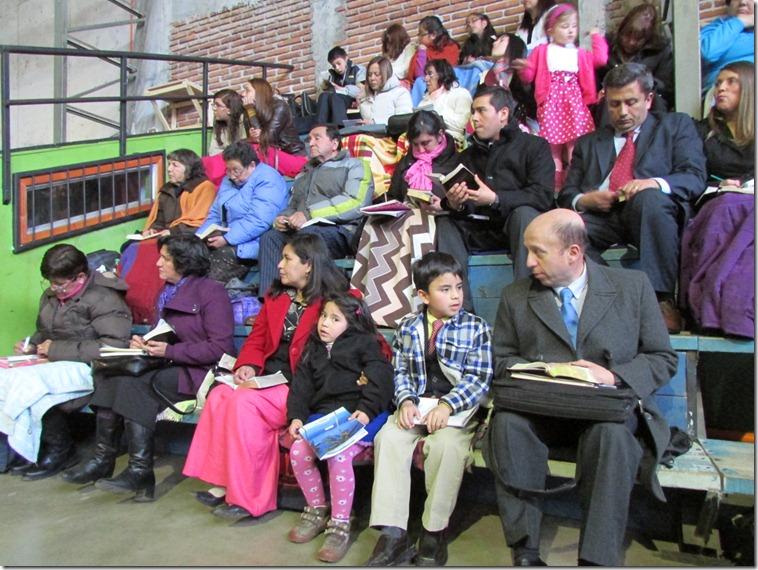 familias completas en el auditorio