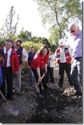 La ministra de Obras Públicas, Loreto Silva, participa en la puesta de la primera piedra del Puente Niagara en la comuna de las Padres de las Casas.