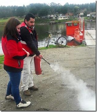 Personal de Balsas y conductores de Vialidad fueron capacitados en uso y mantención de extintores