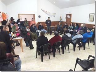 Director de Vialidad se reunio con dirigentes y vecinos de Caburgua (2)