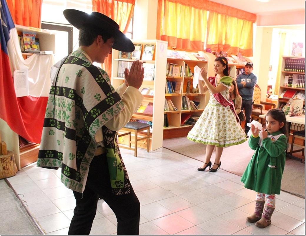 FOTO jardines infantiles biblioteca 2