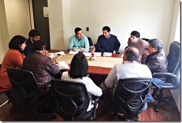 Director de Vialidad con dirigentes de El Sauce y Conquil (2)