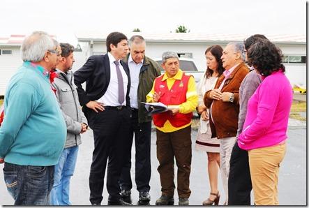 Director Nacional de Aeropuertos y Alcalde inspeccionan obras de conservación Aeródromo de Pucón (4)