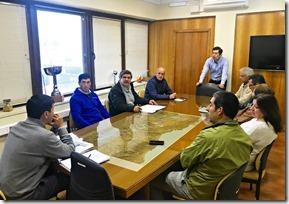 Director de Vialidad con dirigentes de Freire y Villarrica abordaron mejoramiento de caminos  (2)