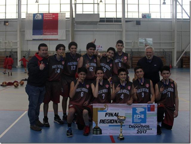 Liceo Pablo Neruda Campeones regionales básquetbol varones sub 14