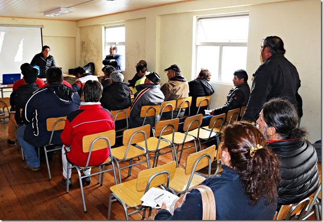 Autoridades y Dirigente de Carahue conocieron en Reunión de Participación Ciudadana avances en trabajos del Contrato de Conservación Global Sector Costa  (4)