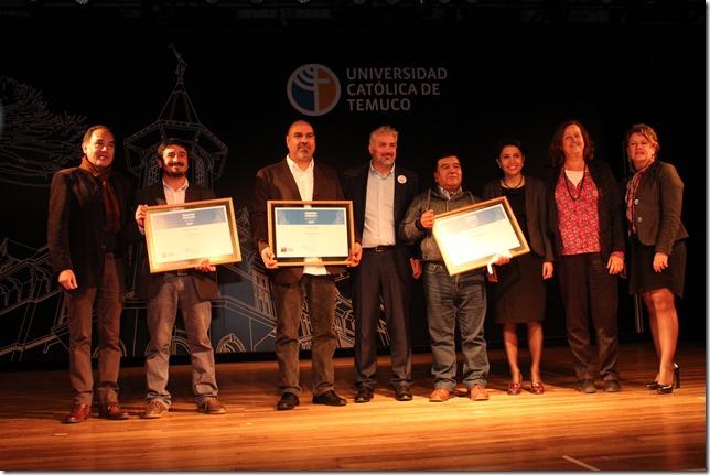 autoridades y artesanos premiados