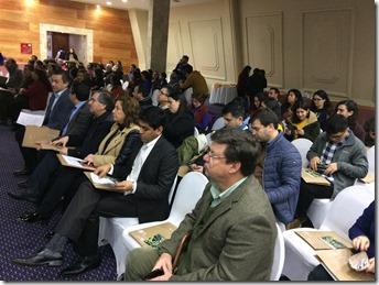 002_Una alta convocatoria entre la comunidad tuvo el seminario
