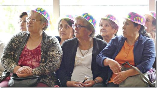 Adultos mayores de la comuna disfrutaron de entretenida jornada de esparcimiento (4)