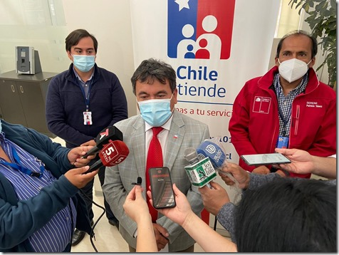 Gobernador de Malleco, Juan Carlos Beltráy, el seremi del Trabajo y Previsión Social, Patricio Saénz y director regional de ChileAtiende, Joaquín Núñez