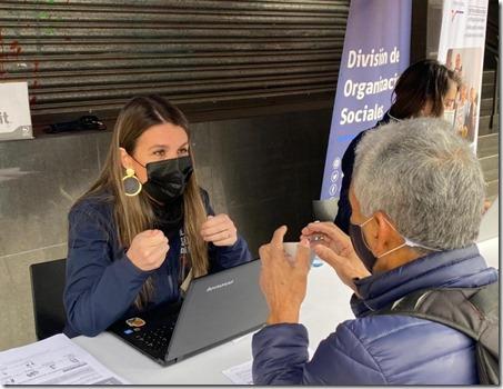 Seremi Consuelo Gebhard postulando a beneficiados del IFE Ampliado